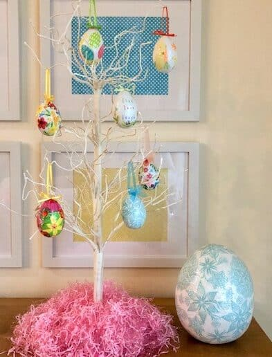Easter egg tree with 7 Easter eggs